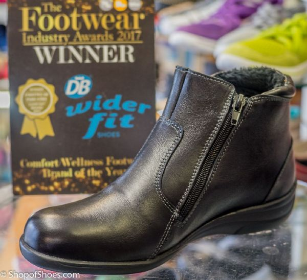 Sandbach wide fit easy b DB leather double zipped boot.